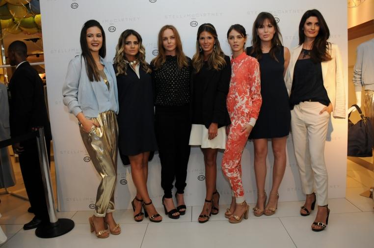 Anna Barroso, Thássia Naves, Stella Mcartney , Laura Neiva, Bia Perotti e Isabella Fiorentino (1)